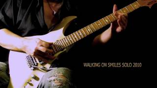 WALKING ON SMILES SOLO CU.mov