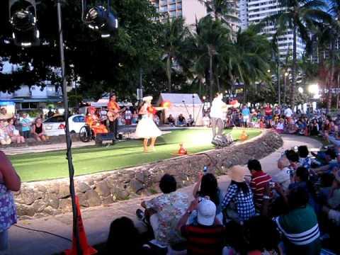 Kuhio beach park hula show at waikiki beach youtube for Pool light show waikiki