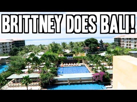 BALI RESORT & ROOM TOUR! Brittney Does Bali Vlog #1