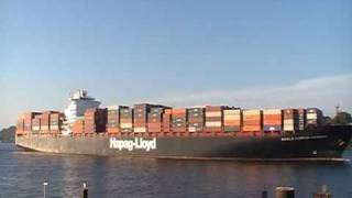 Hapag Lloyd Containervessel Kuala Lumpur Express inbound to Hamburg