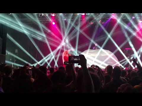 "Purity Ring ""Begin Again"" Live in Jacksonville, FL"