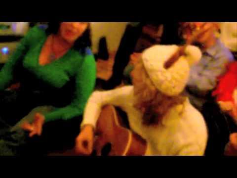 Lustige Weihnachtslieder Umgetextet.Lustiges Deutsches Weihnachtslied Mit Text Zum Mitsingen Fur Gitarre