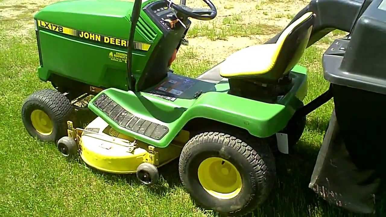Lot 1504a John Deere Lx178 Lawn Mower Amp Bagger Youtube