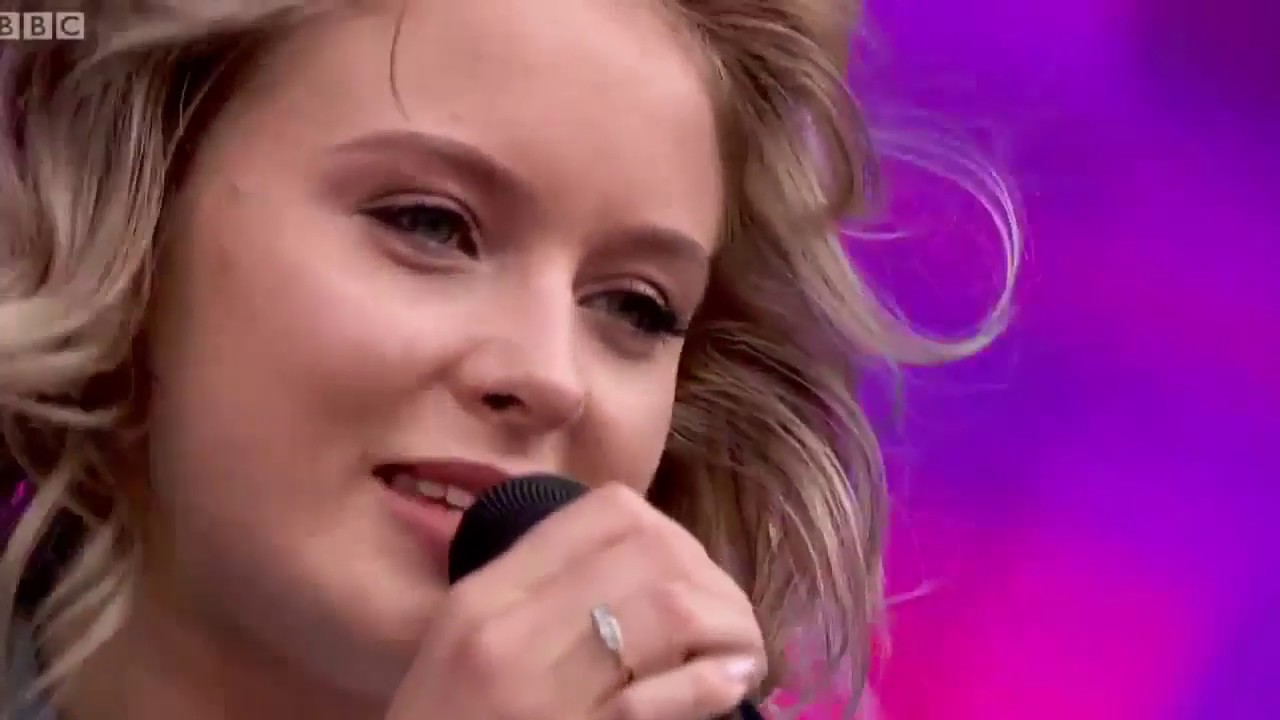 Download Zara Larsson Live Full Concert 2020