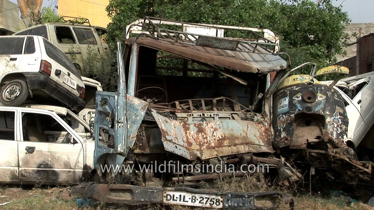 Old broken cars for recycling in junkyard - Delhi - YouTube