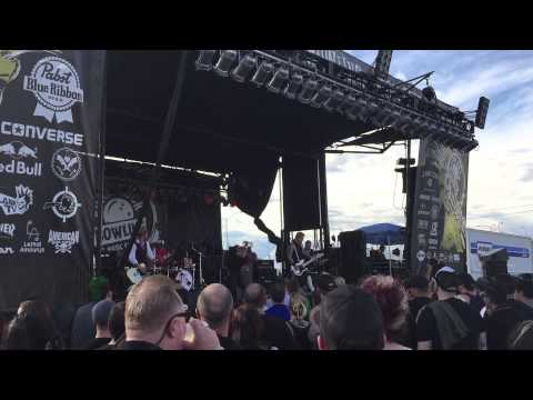 "Bombshell Rocks perform ""This Time Around"" at Punk Rock Bowling 2015"