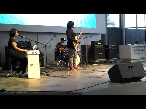 ORCA - Abu's Coming Home (Live at Gandaria City, Mini Jak Cloth 2013)