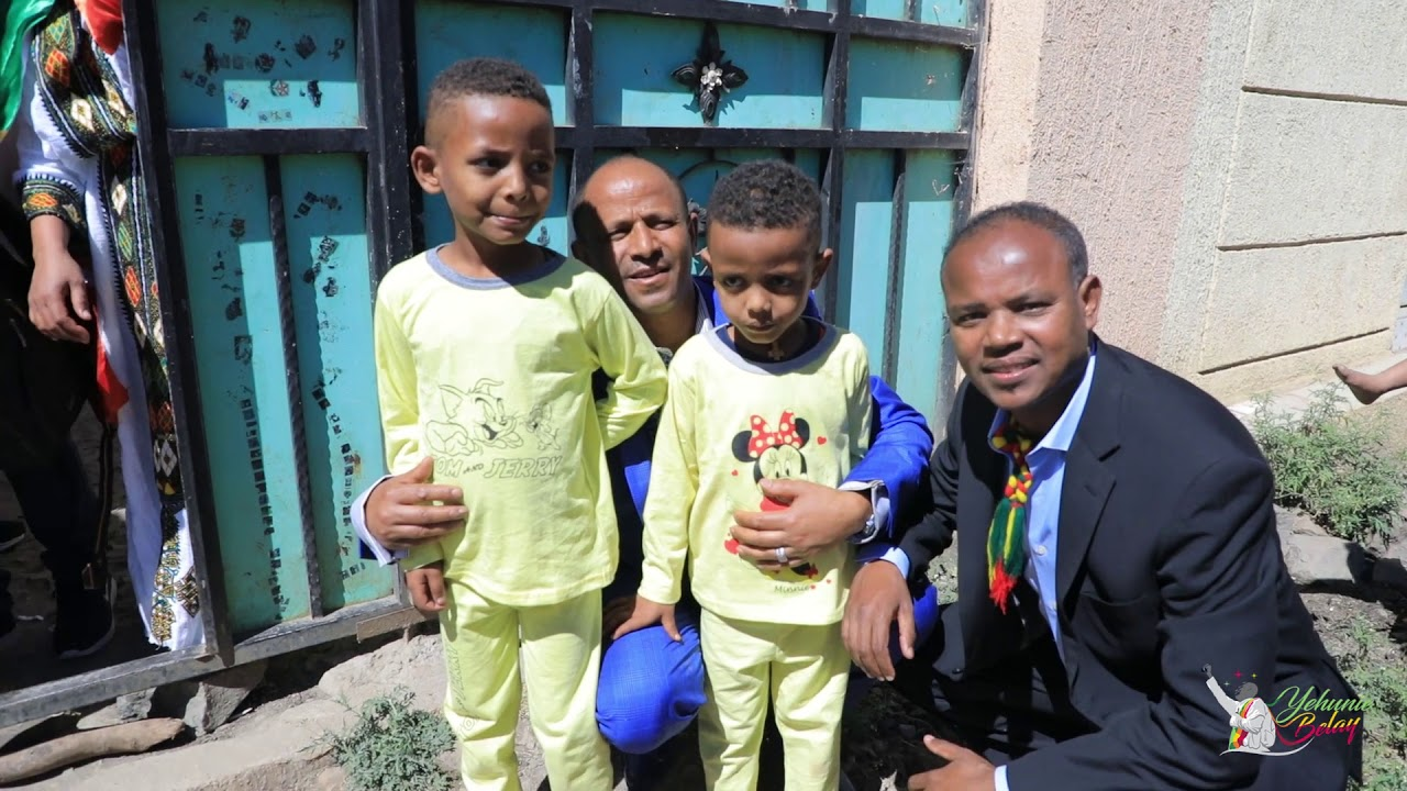 Artist Yehunie Belay and Artist Mehari Degefaw Visited The house of Welkait Hero Colonel