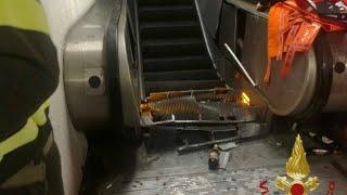 Roma, cede una scala mobile della Metro: 17 feriti, almeno uno grave thumbnail