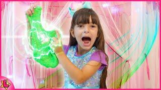 Laurinha e a tenda mágica de Slime | Pretend play Slime magic tent 🌸