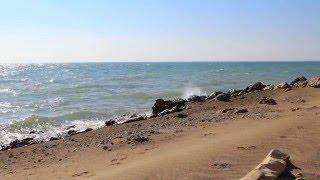 Кайраккумское водохранилище, пляж 'Золотые пески'. 25 октября 2015 года.