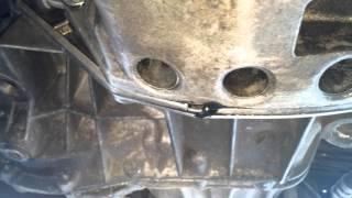 Течь масла на стыке коробки двигателя laguna 2 1.9dci.