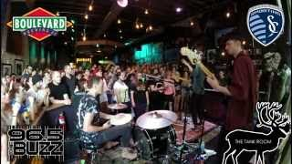 """Glass Animals - """"Gooey"""" Live at The Tank Room"""