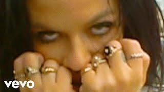 Смотреть клип Kelsy Karter - What U