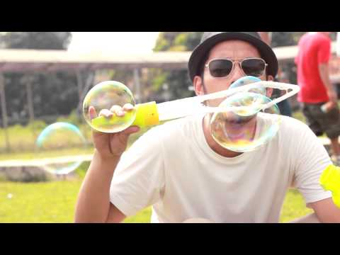 MALIQ & D'Essentials - Penasaran (Official Music Video)