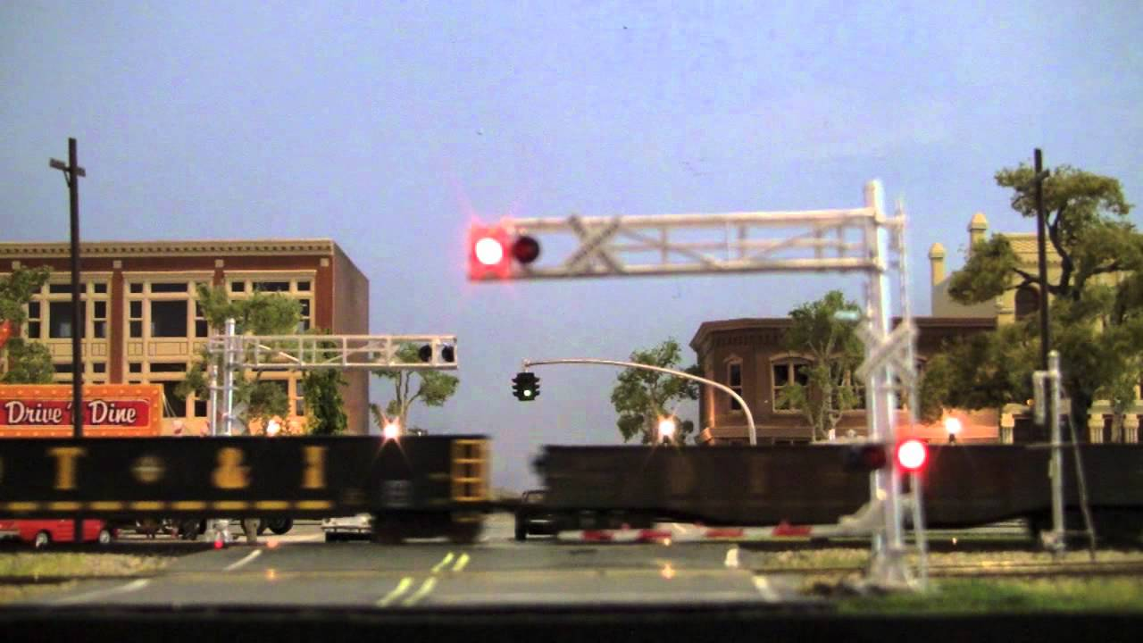 Working Crossing Gates On The Modern Dt Amp I Youtube
