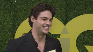 Download Video Noah Centineo Can't Help But Blush Over Selena Gomez Crush (Exclusive) MP3 3GP MP4