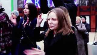 Этот подарок она запомнит на всю жизнь))) Поздравили девочку Флэшмобом