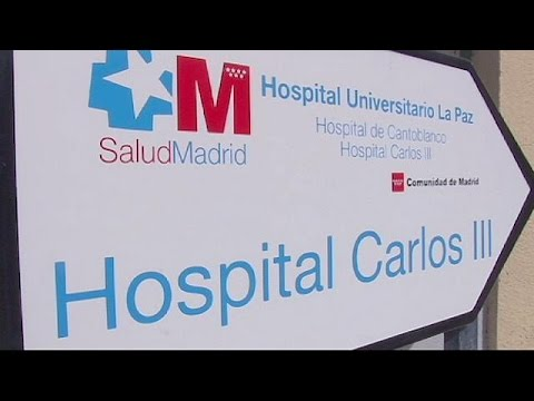 Ebola: Spain probes whether 'tainted glove' infected nurse
