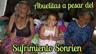 Doña Benita tiene 76 años trabaja y cuida a su hermana de 93 años