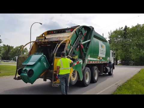 Waste Management: Mack MR/ McNeilus Tag-Axle Rear Loader