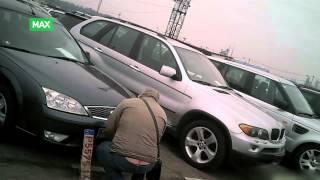 Illegalt bilmarked i Kaunas i Litauen