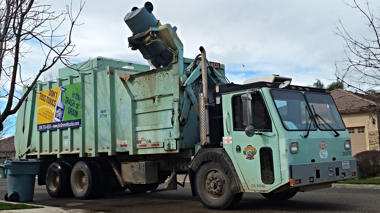 City Of Visalia Split Body Heil Formula  Garbage Truck