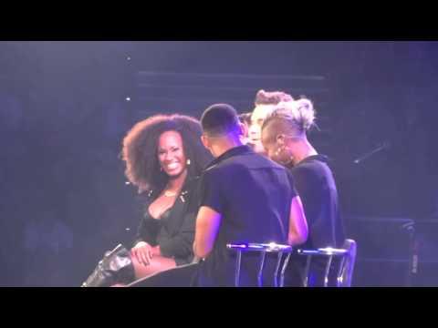 Robbie Williams - She's the One - 17/10/15 Brisbane HD