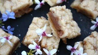 Ooey Gooey Butter Bars - Easy Christmas Recipe