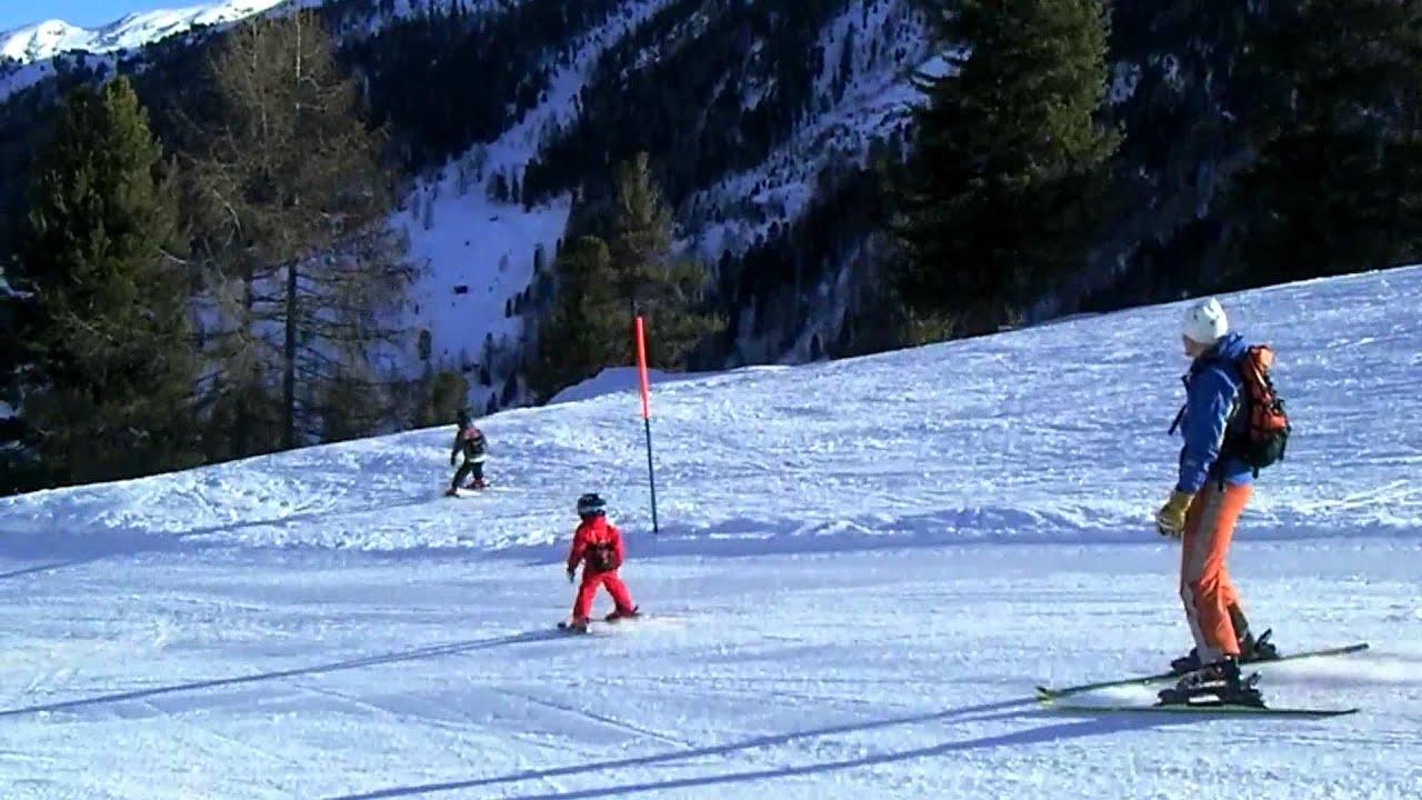 3 Year Old Toddler Skiing Youtube