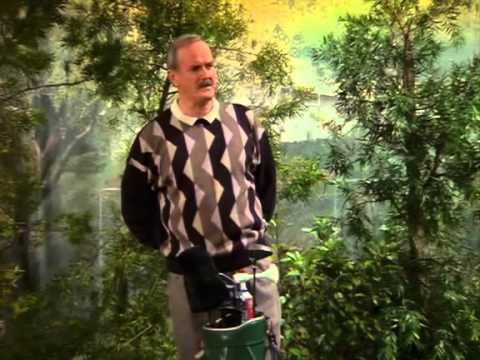 John Cleese & John Lithgow playing golf @ 3rd Rock