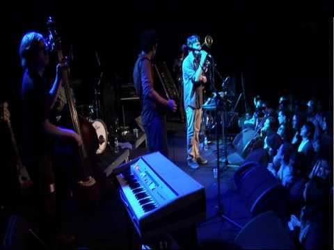 Beirut - Forks and Knives (La Fete) (Live)