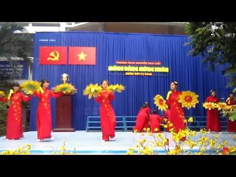 Văn Nghệ Xuân 7/3 THCS Nguyễn Văn Trỗi năm 2013