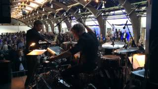 Aarhus Jazz Orchestra plays music by Kraftwerk. Feat. Emil de Waal ...