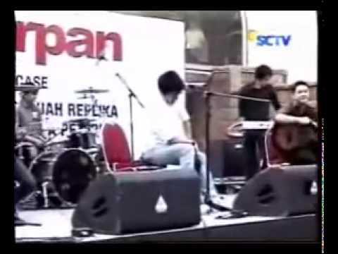YouTube - Peterpan - Behind the scene Video Clip `Tak Ada Yang Abadi`.flv