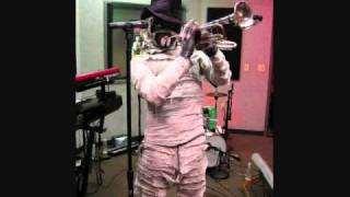 wound up together Here Come The Mummies  .wmv