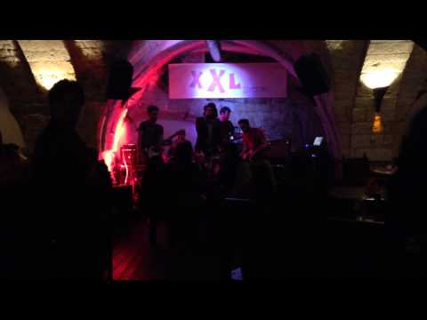 BONES Live @ XXL Pub (Ostuni) - FADE OUT (tribute band Radiohead)