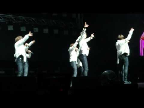 170526 BTS Wings tour Sydney - Dope