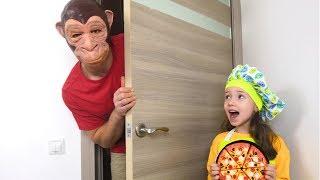 Ulya and a Strange Cafe Visitor! Gorilla pretend play