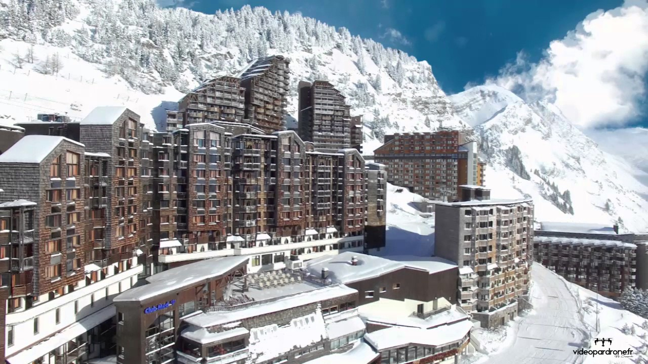 Cinemagraph Par Drone Club Med Avoriaz 1800 Morzine Youtube