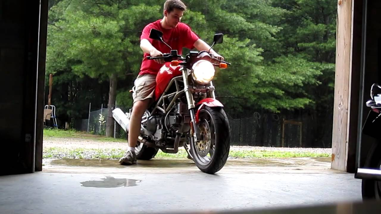 1995 ducati 900 monster put away wet hahaha youtube rh youtube com 1995 Ducati Monster 900 Torque 1995 Ducati 900SS Specs