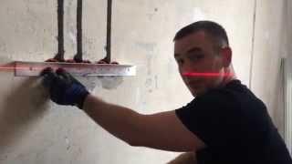 видео Установка розетки своими руками на бетонную стену: подготовка и монтаж