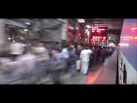 In Full Fury ! Gitanjali Express Tearing Apart Over Crowded Thane Station, Mumbai & How !!!