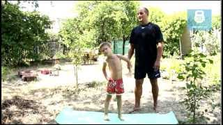 Зарядка для детей. Упражнения для правильной осанки для детей. Workout for Kids at Home(В этом видео я покажу, как можно делать зарядку (разминку) детям. Также упражнения помогут сохранить правиль..., 2013-07-03T11:12:51.000Z)