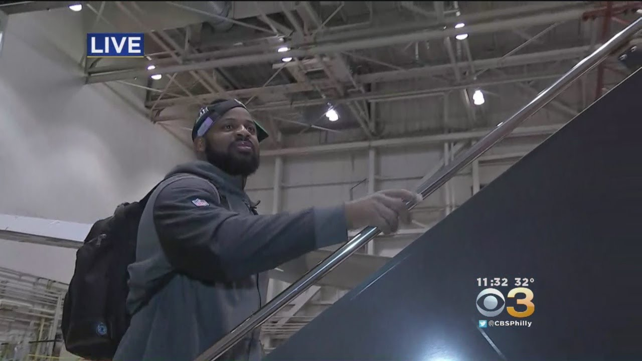 Special Report: Eagles Board Flight Back To Philly - YouTube