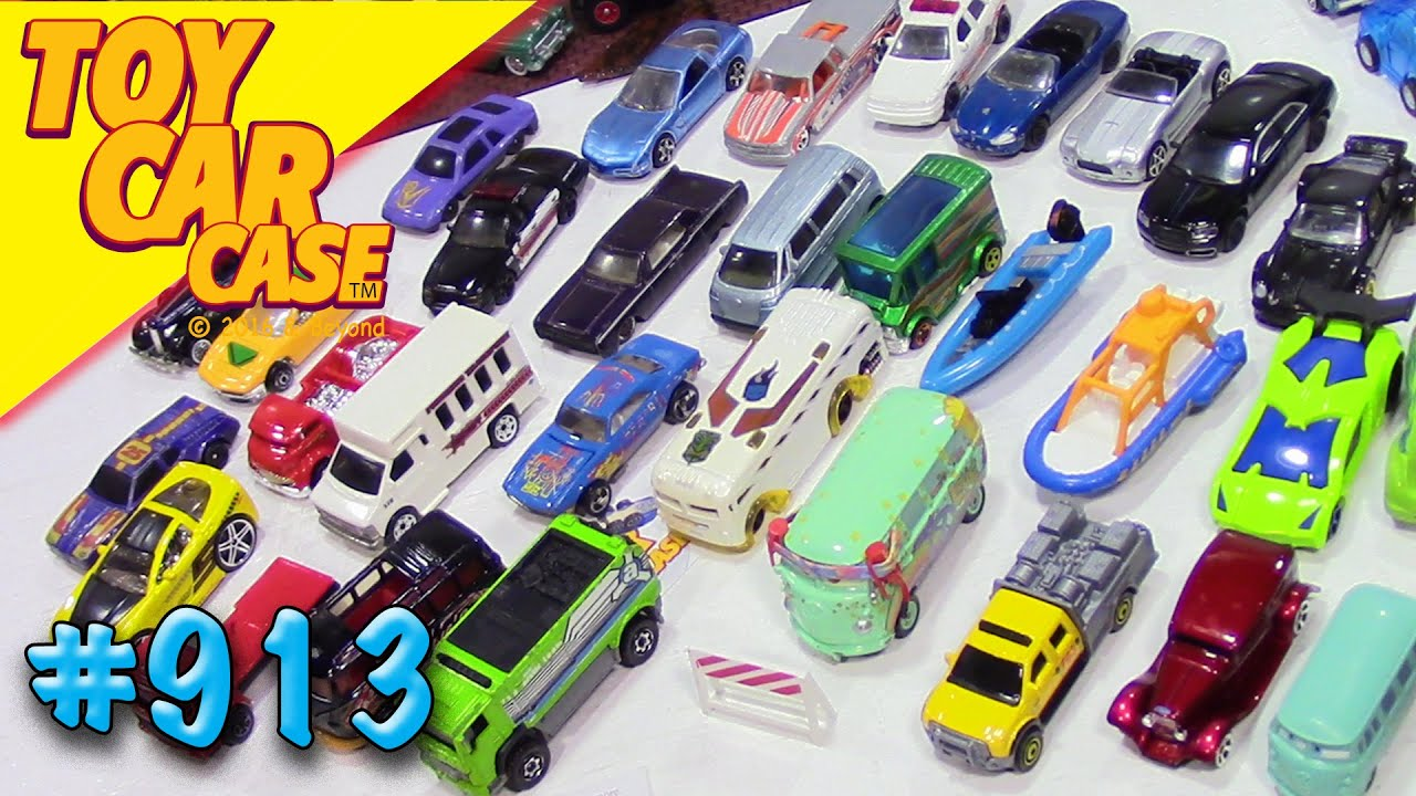 913 Mega Hot Wheels Garage Sale Find 19 Toy Car Case