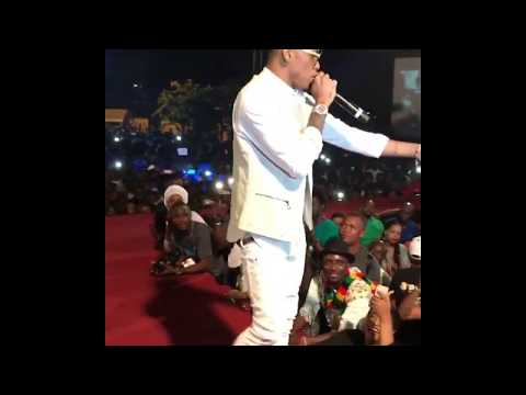 TEKNO PERFORMS WHERE YOUR MAMA DEE AT CONGO