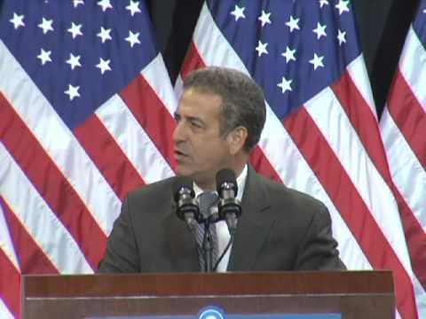 Senator Russ Feingold Introduces Barack