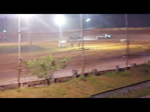 Factory Stock Heat Race @ 105 Speedway 6-2-18