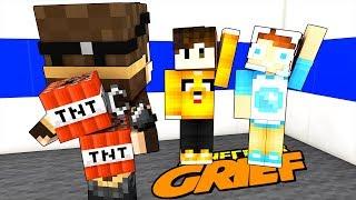 ENTRO NEL MONDO DI UN FAN PER GRIFFARLO!! (Minecraft Grief)